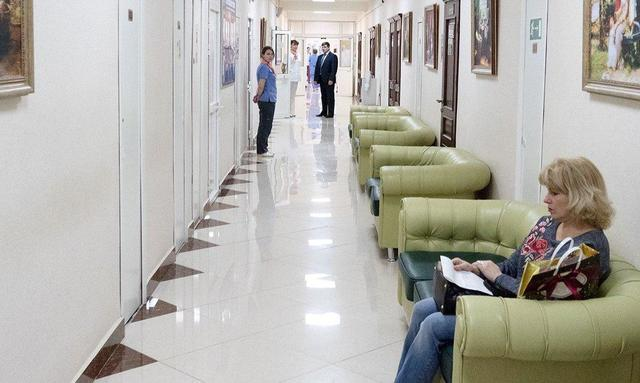 Поликлиники на улицах Маршала Новикова и Новощукинской отремонтируют