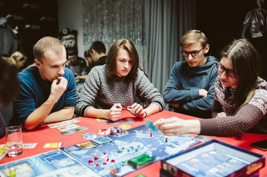 На Маршала Малиновского сыграют в настольные игры